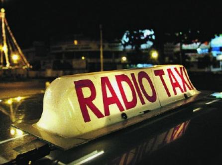 2012-08-16-img-3083-proponen-sumar-100-licencias-de-taxis