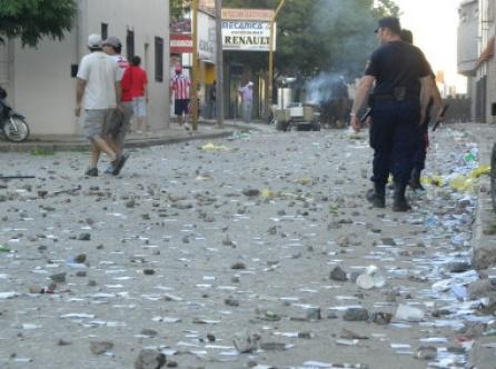 2012-11-28-img-7554-comunicado-tatengue-en-repudio-de-la-violencia
