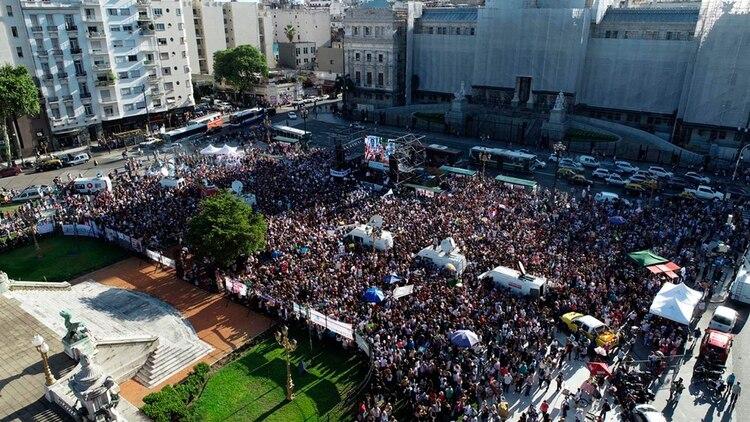 Resultado de imagen para argentina marchas contra el asesinato de viulla gessell