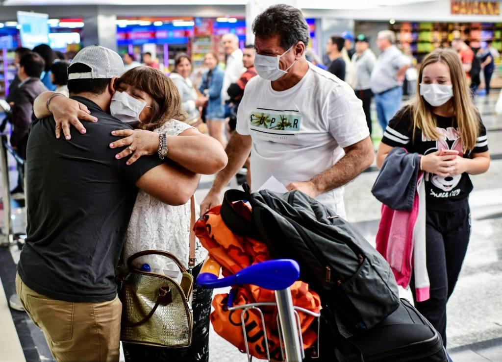 Resultado de imagen de 30 mil argentinos viajaron en pandemia